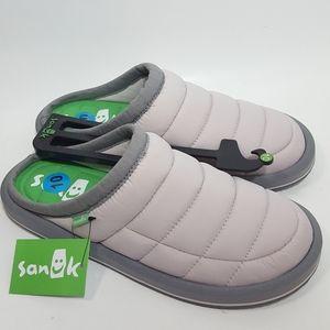 Sanuk Women's Size 10 Puff N Chill Low Slipper NWT